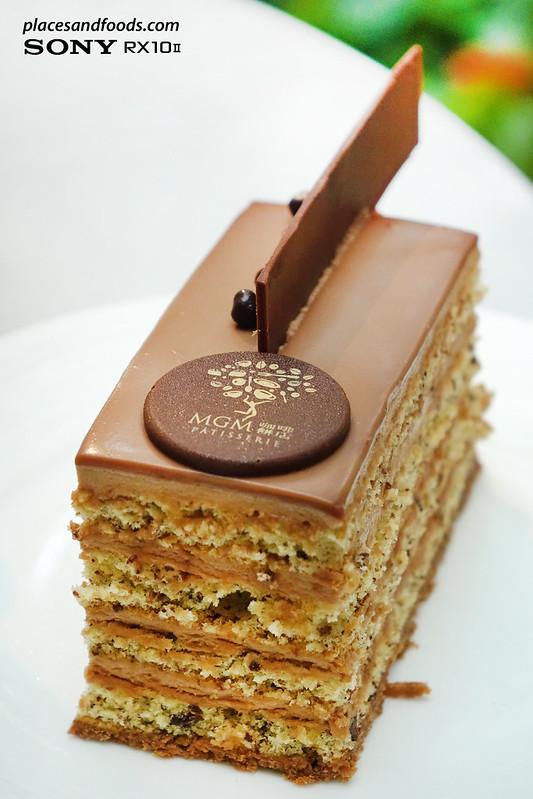 MGM Macau Grande Praça Cafe hazelnut milk chocolate cake