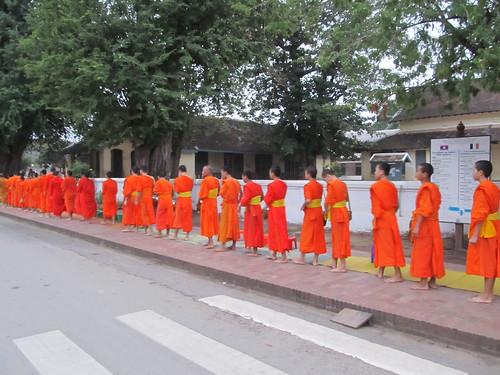 Luang Prabang: l'aumône des moines