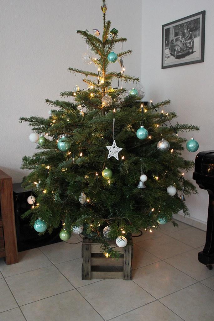 die sache mit dem weihnachtsbaum fr ulein ordnung. Black Bedroom Furniture Sets. Home Design Ideas