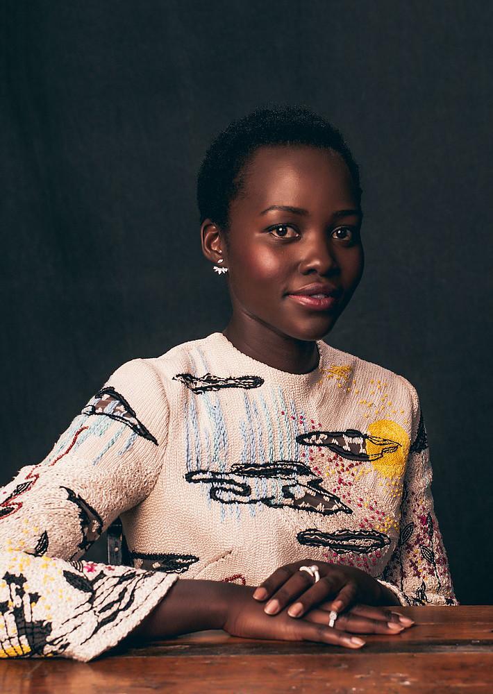 Люпита Нионго — Фотосессия для «Королева Катве» на «TIFF» 2016 – 7
