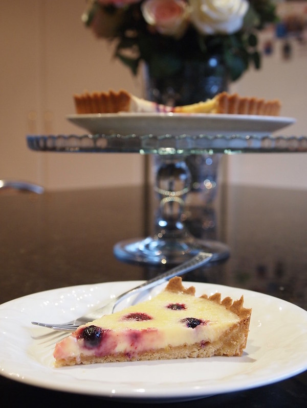 Lemon and mixed berry tart