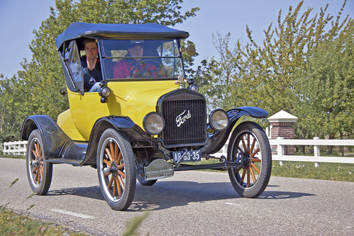 Ford Model T Roadster 1923 (3200)