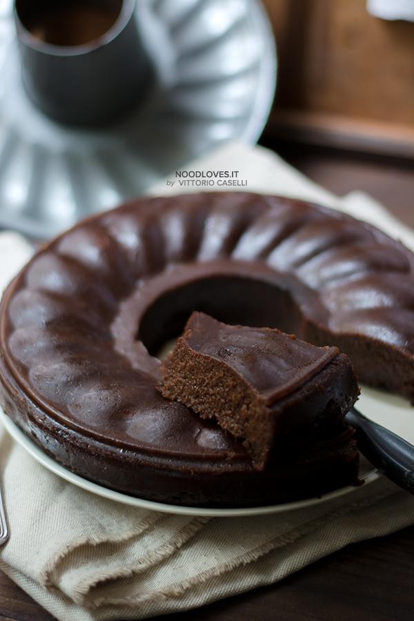 Castagnaccio morbido al cioccolato