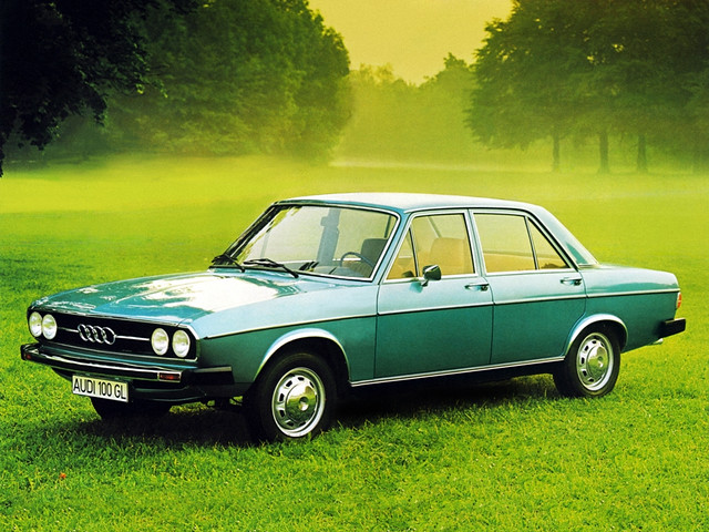 Седан Audi 100 C1. 1968 – 1973 годы