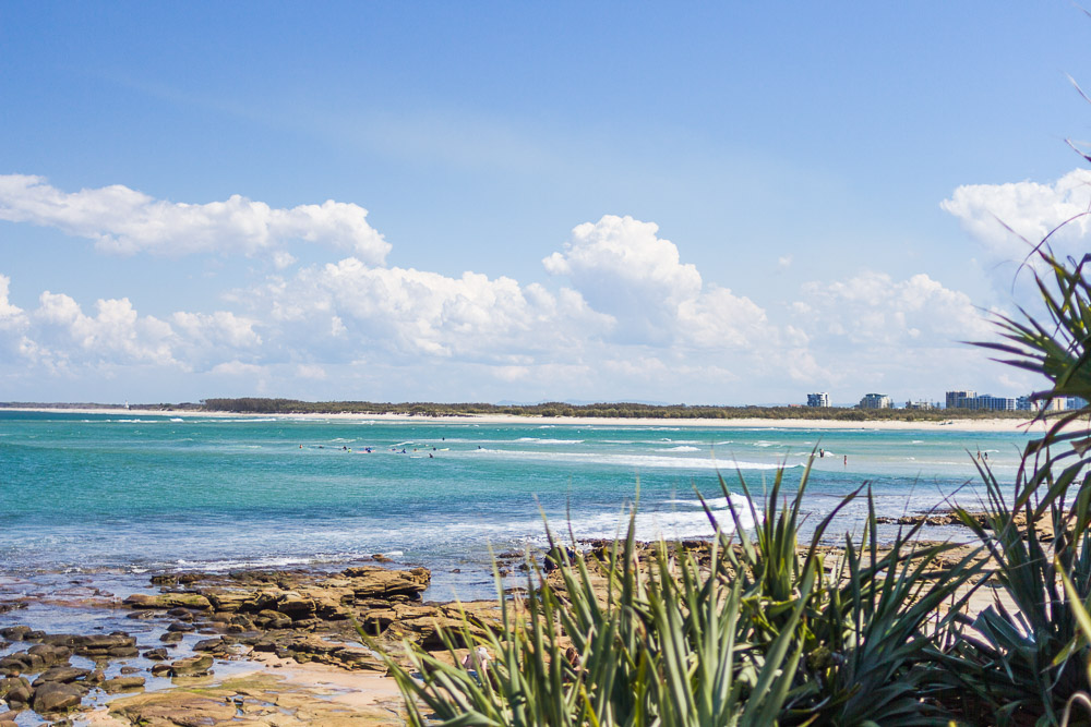 beaches in caloundra near brisbane