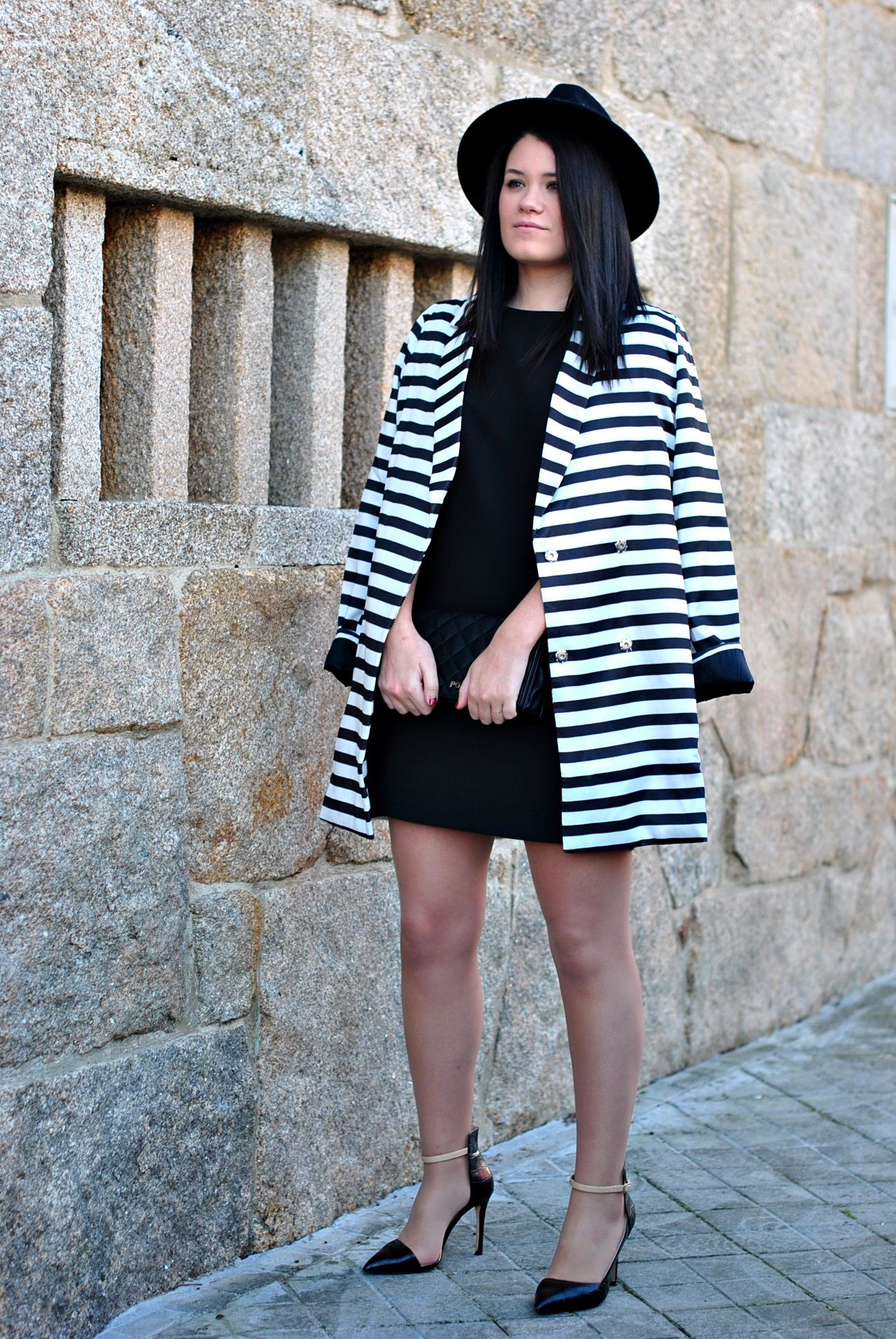 20151228-shein-black-white-coat-04