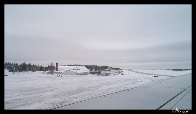Laponia viaje Helsinki Rovaniemi - Aterrizaje con nieve