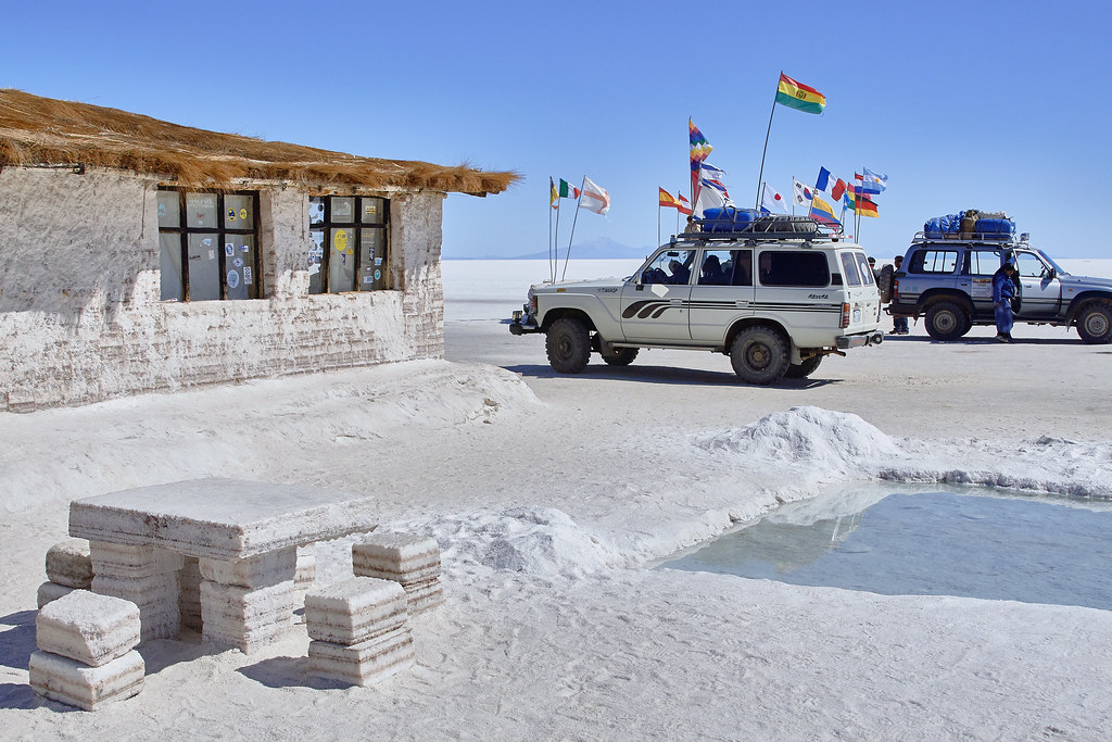 Salt hotel salar de uyuni bolivia photos free photos for Salar de uyuni hotel made of salt