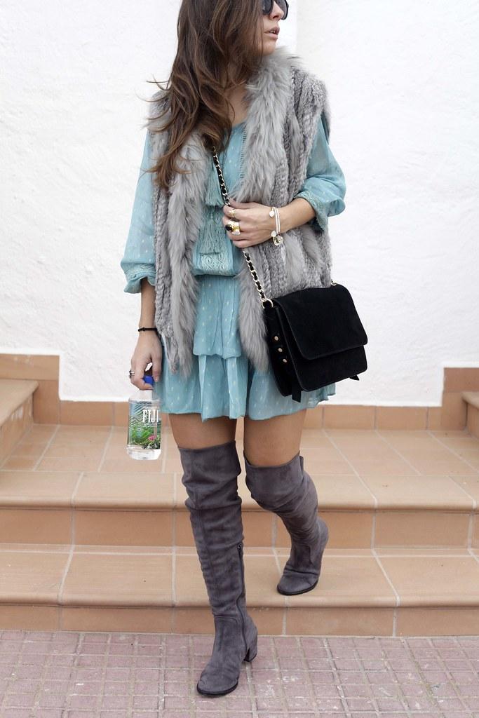 07_vestido_turquesa_y_botas_altas_girses_casual_look_theguestgirl_fashion_blogger_barcelona