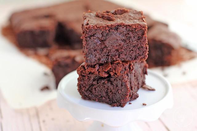 Brownie remolacha y chocolate www.cocinandoentreolivos.com (1)