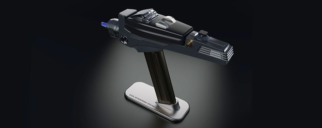 星艦迷必備!《星艦迷航記》多重聲光效果的「相位槍」造型萬用遙控器