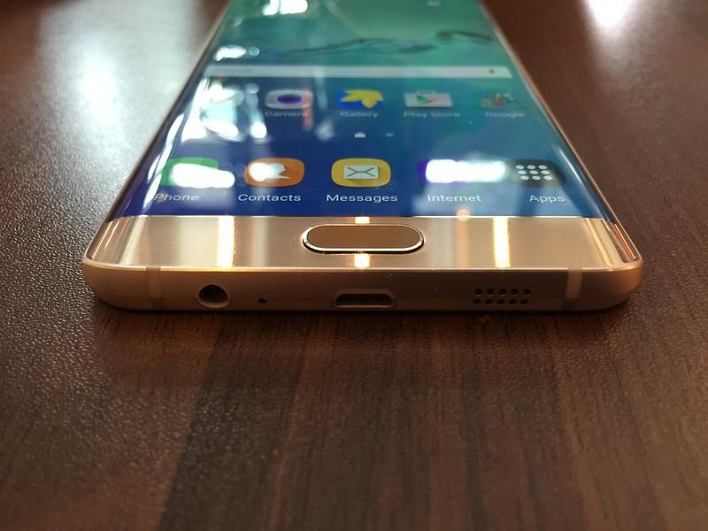 Samsung Galaxy S6 edge+ - Bottom