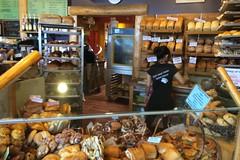火, 2015-07-21 07:54 - Bear's Paw Bakery 店内