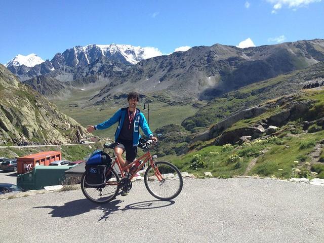 Rutigliano- Giuseppe Dell'aere- Dopo l'Italia, penso al Cammino di Santiago-Giuseppe Dell'Aere all'arrivo al Gran San Bernardo
