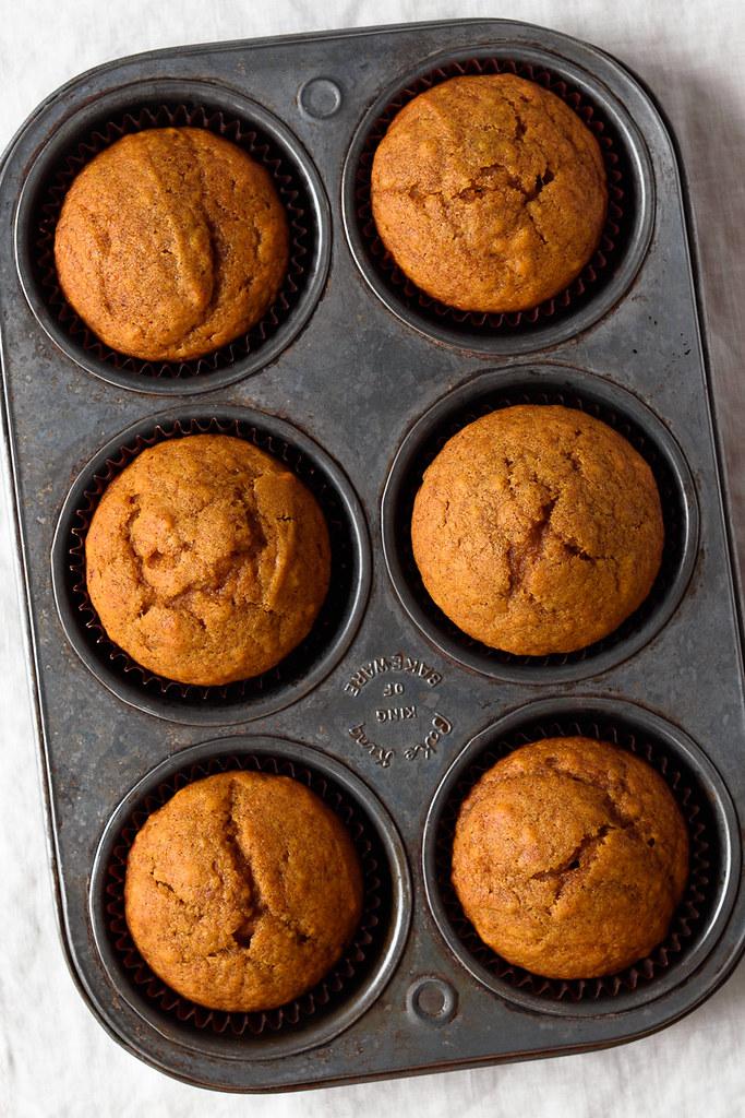 Pumpkin Cornbread Muffins via forkknifeswoon.com