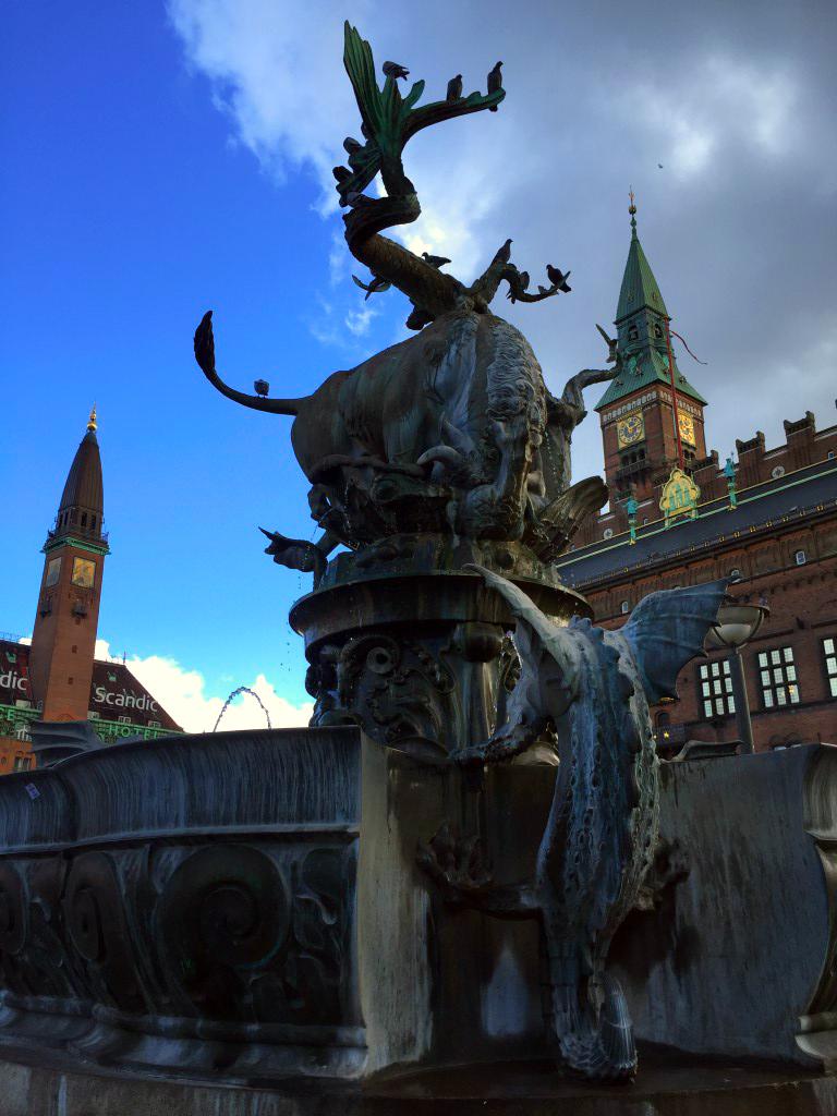 Copenhague en un día: Plaza del Ayuntamiento de Copenhague copenhague en un día - 22757648105 12a1cc1479 o - Copenhague en un día