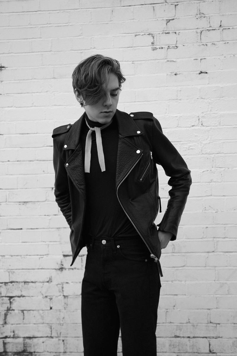 Mikkoputtonen_fashionblogger_london_streetstyle_H&MTrend_rafsimons_levis_outfit_style7_web