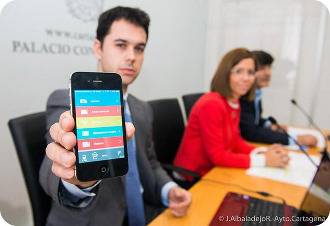 Ya se puede pagar la ORA con el móvil