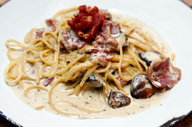 Creamy Beef Carbonara Pasta