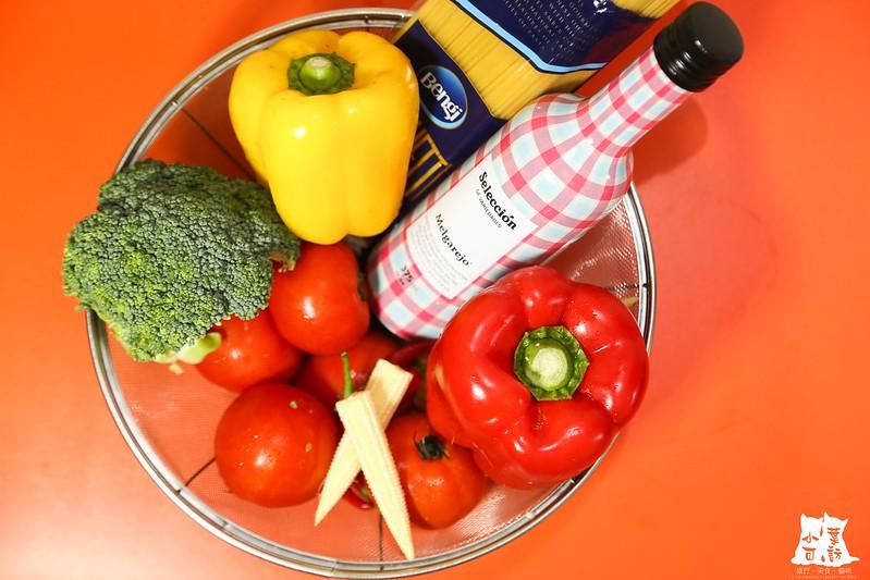 【橄欖油料理食譜】梅爾雷赫頂級冷壓初榨橄欖油 清炒蔬食義大利麵,健康的素食料理。