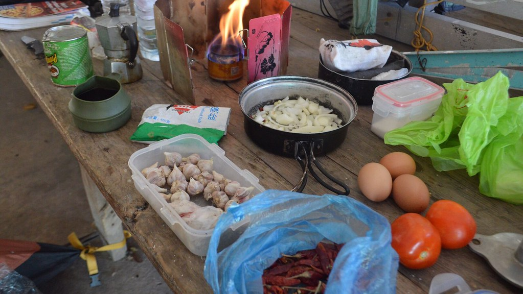 Breakfast, making omelet at a temple