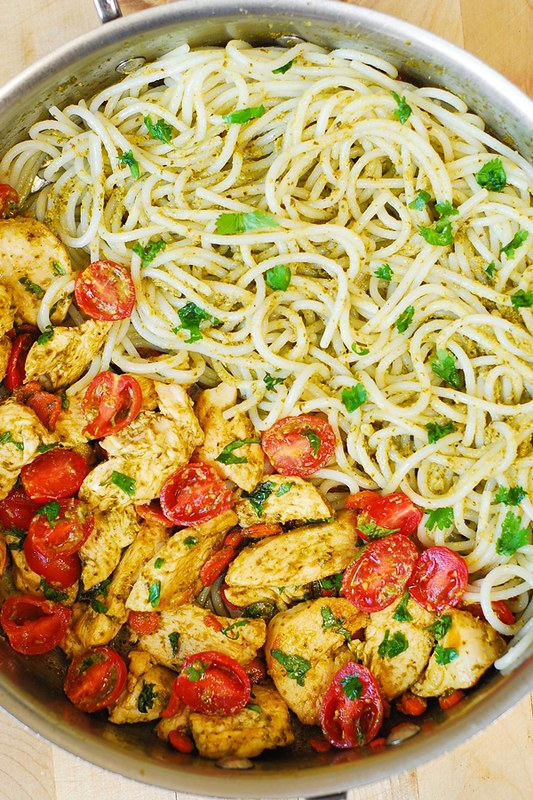 basil pesto pasta with chicken and tomatoes, healthy, light pasta dish