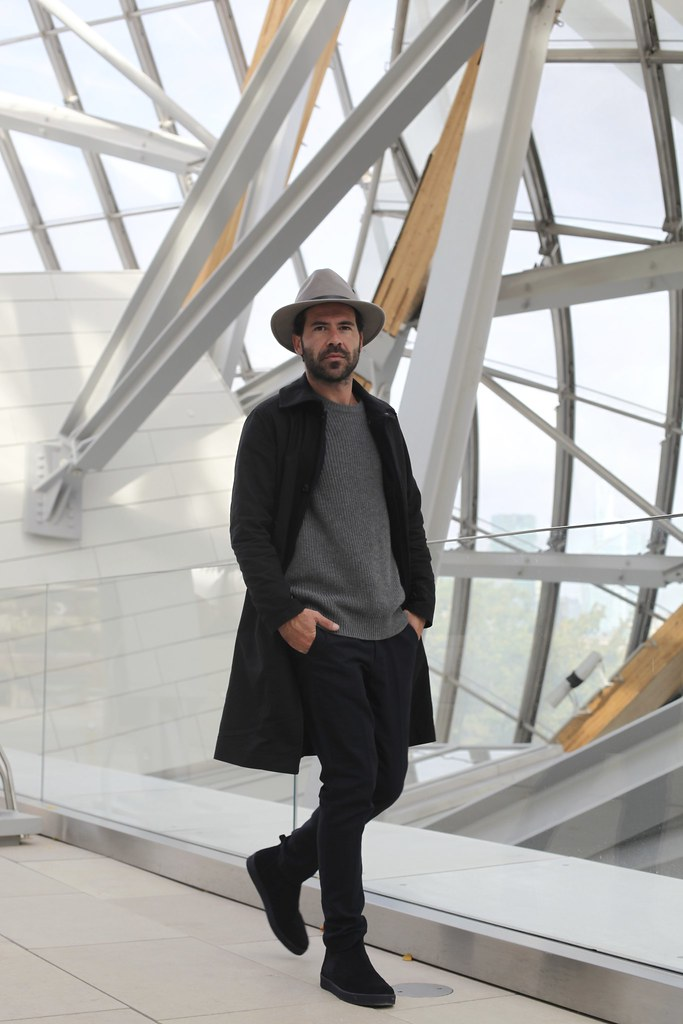 _manlul_miguel_carrizo_paris_louis_vuitton_foundation_frank_gehry_architecture_raceu_hats_h&m_pedro_garcia_shoes_7