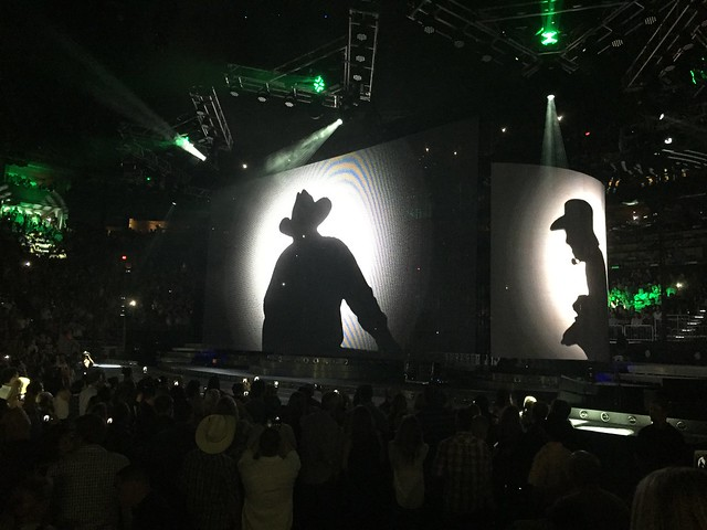 10/24/15 7pm Garth Brooks Phoenix