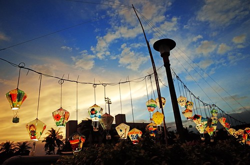 light sunset sky love beautiful beauty amazing scenery bright awesome taiwan glorious stunning lantern magnificent magichour taitung splendid 天燈 燦爛 時光 鐵花村