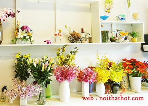 thiết kế cửa hàng hoa nữ tính