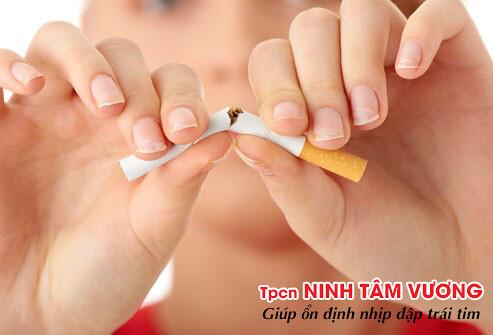 Những người nhịp nhanh thất nên từ bỏ thuốc lá