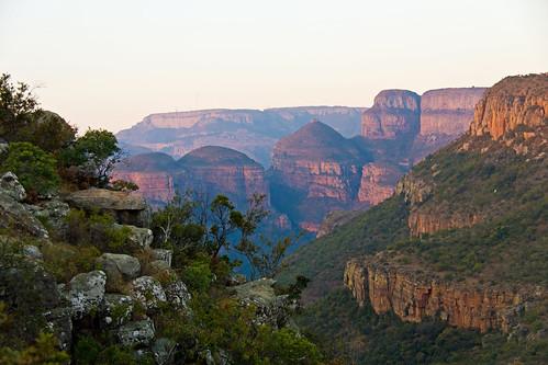 southafrica mpumalanga blyderivercanyon drakensbergescarpment threedrierondavels