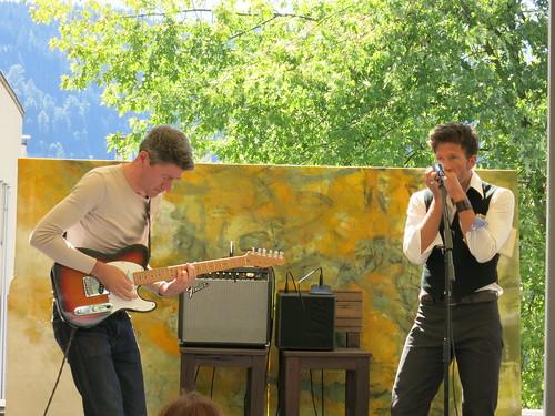 Ralf Schlatter mit Michael Wernli (Gitarre)