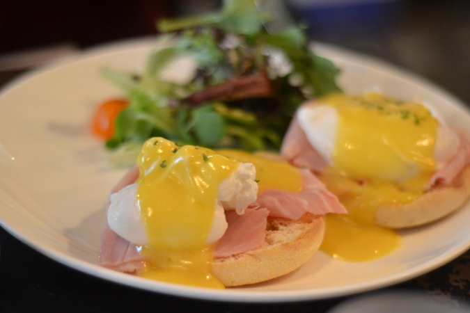 Daisybutter - Hong Kong Lifestyle and Fashion Blog: The Coffee Academics Hong Kong, eggs benedict