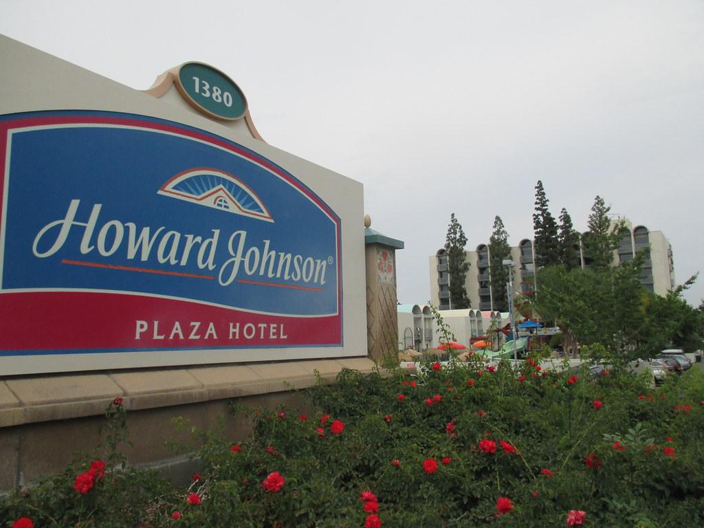 Howard Johnson 39 S Motor Lodge And Restaurant Anaheim Ca A
