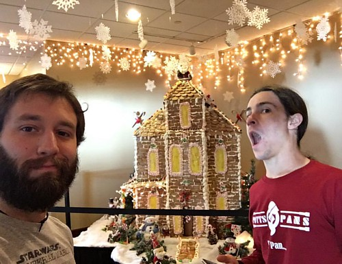 That's a #bad #matt! Don't eat the #fancy #gingerbreadhouse @pottspanssteel & @ajhvibes making #livemusic tonight in #wisconsin