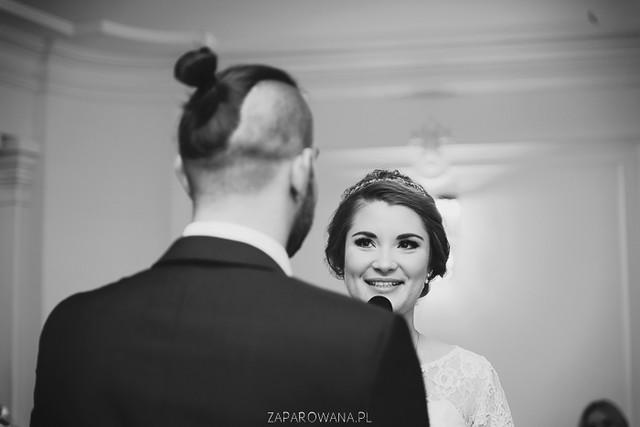Agnieszka i Piotr - Reportaż ślubny - ZAPAROWANA-98