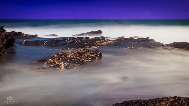 Olas y rocas, la mejor combinación de éste tipo de fotos