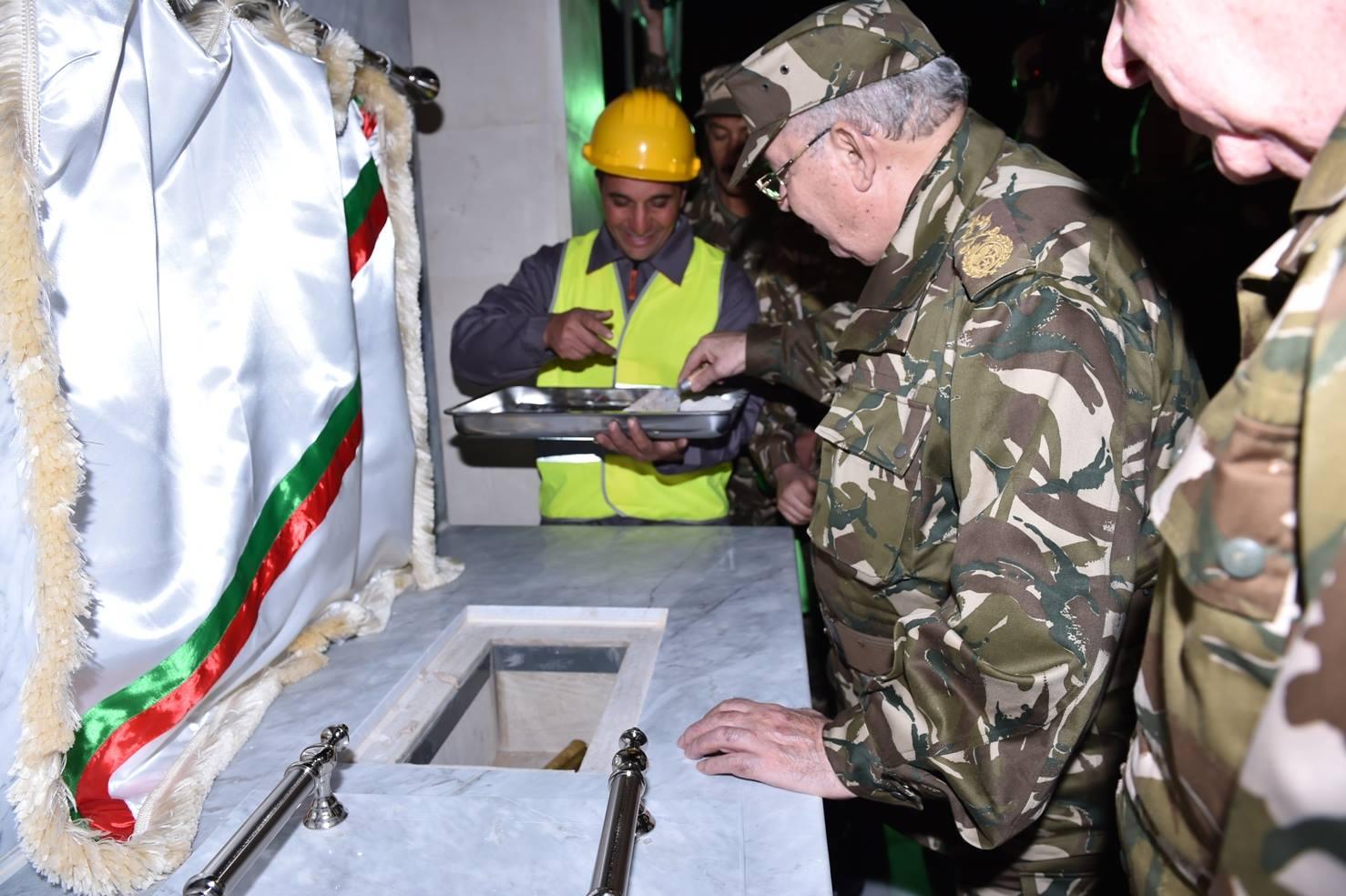 الجزائر : صلاحيات نائب وزير الدفاع الوطني - صفحة 5 30267306534_901d649a23_o