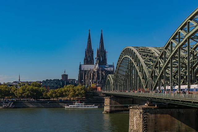 Dom und Hohenzollernbrücke, Köln