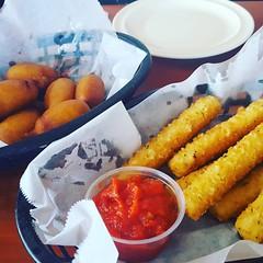Getting my junk food fix on mini corndogs and moz sticks at El Cap in St Petersburg, FL.  @elcap @stpetersburgfoodie #lovestpete  #corndogs #mozarellasticks #tampabay #uniquetampa #elcap