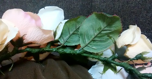 手作り花冠の裏側
