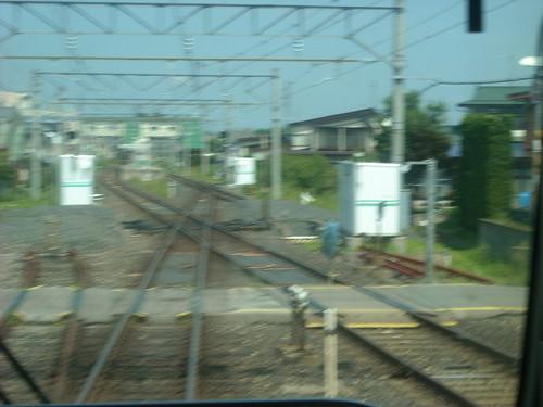 羽前千歳駅手前で奥羽本線(山形線)と仙山線の線路がクロスする