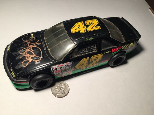 #5-43, Kyle Petty, Autographed, #42, Mello Yello, Racing Champions, 1/24th scale diecast, Picture Proof