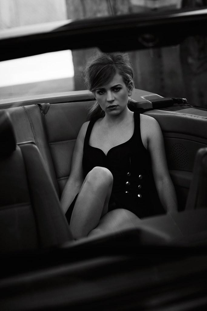 Бритт Робертсон — Фотосессия для «Flaunt» 2015 – 4