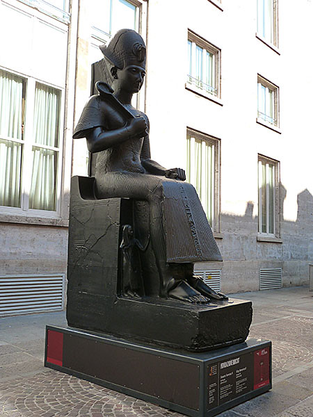 statue egyptienne