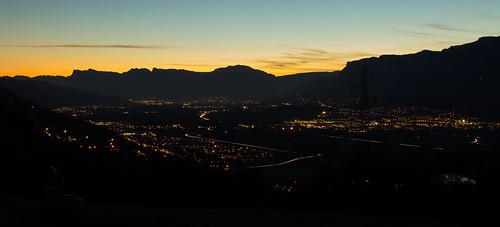 Night fall over Grenoble - Coucher de soleil sur Grenoble