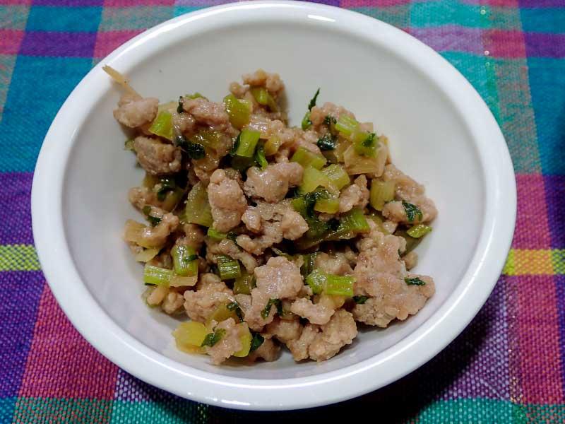 大根葉と葱とミンチの辛炒め