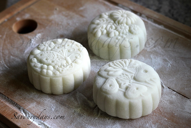 Vietnamese traditional snowskin mooncakes