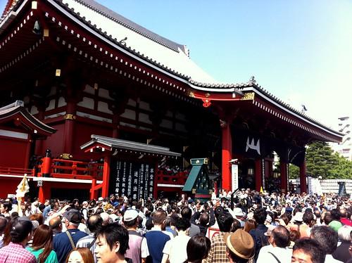 Sanja Matsuri 三社祭